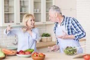 مدیریت کردن رفتار بد سالمندان - سپید گستر