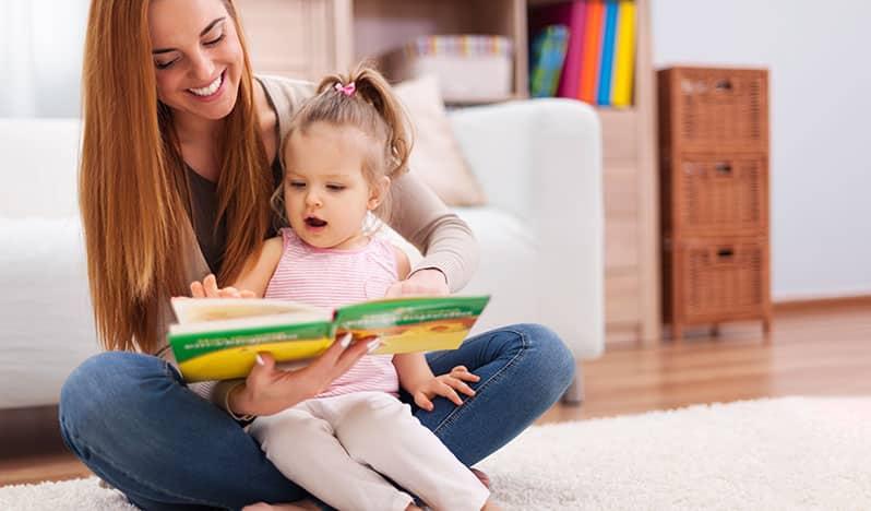 خواندن کتاب برای کودکان نوپا