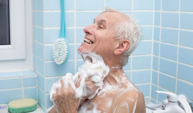 حمام كردن سالمند