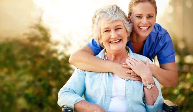 مراقبت از سالمندان در سفر