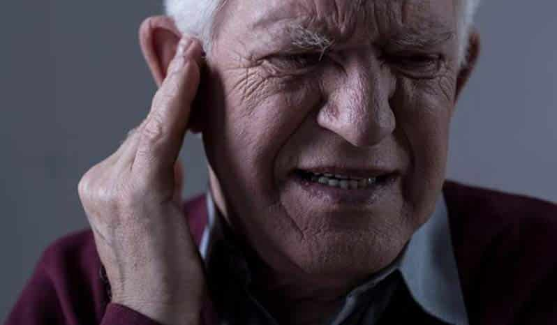 وزوز گوش در سالمندان