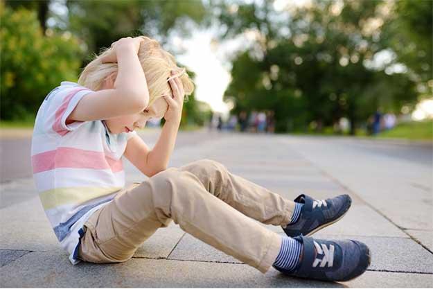 علائم بیماری صرع در کودکان نوزادان